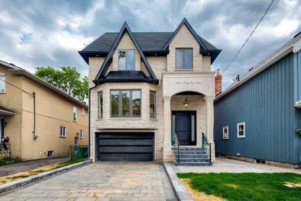261 Poyntz Ave, Toronto