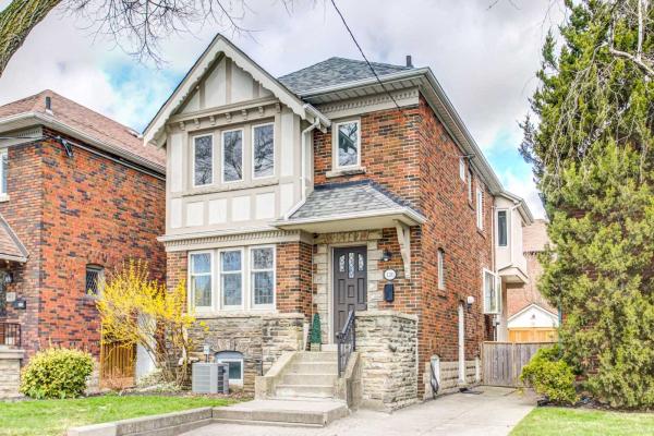 126 Burnaby Blvd, Toronto