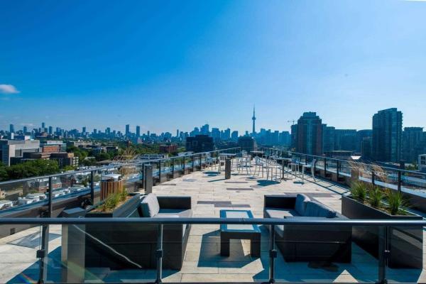 1100 King St W, Toronto