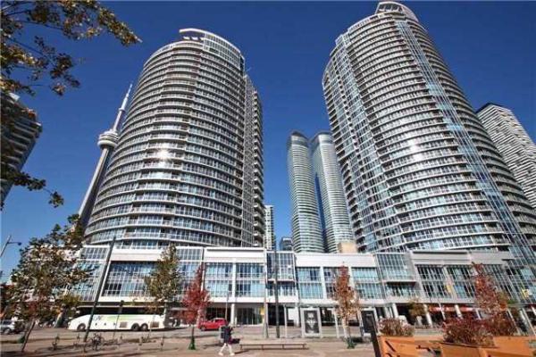 218 Queens Quay W, Toronto