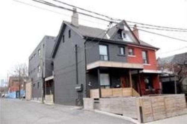 667 Manning Ave, Toronto