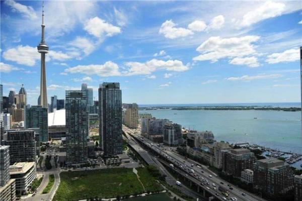 85 Queens Wharf Rd S, Toronto