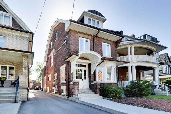 9 Concord Ave, Toronto