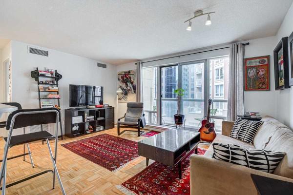 99 Hayden St, Toronto