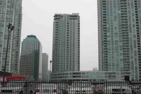 12 Yonge St, Toronto