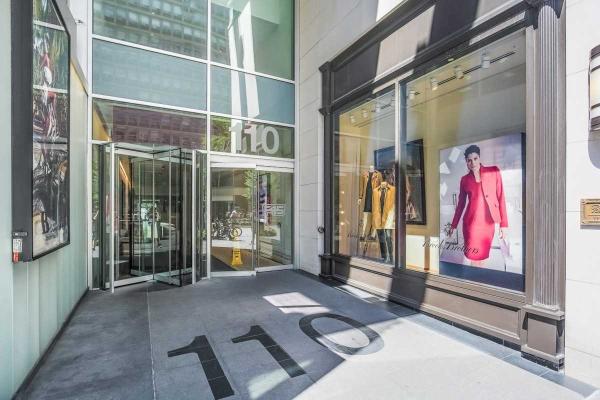 110 Bloor St W, Toronto