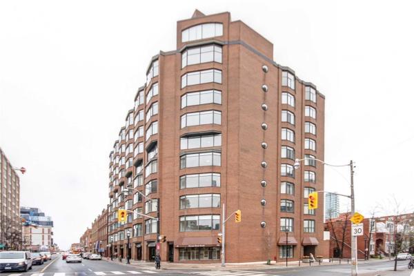 135 George St S, Toronto