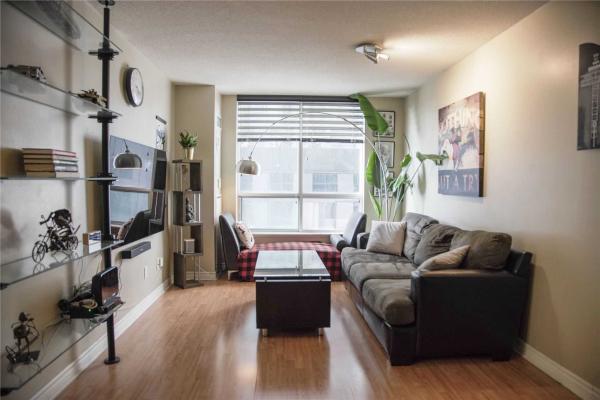 168 Simcoe St, Toronto