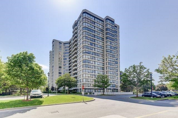 1121 Steeles Ave W, Toronto