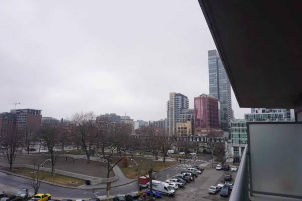352 Front St, Toronto
