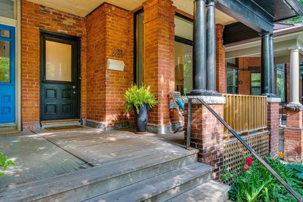 291 Crawford St, Toronto