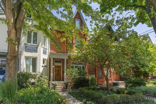 165 Robert St, Toronto