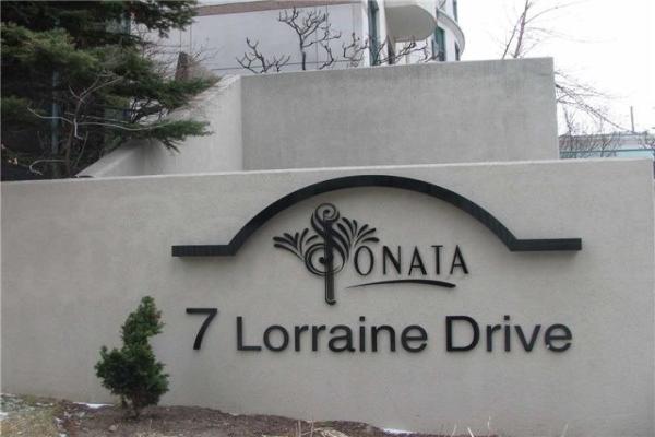 7 Lorraine Dr, Toronto
