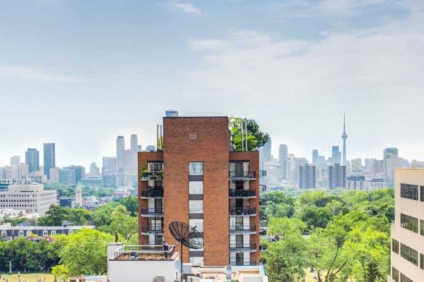 48 St Clair Ave W, Toronto