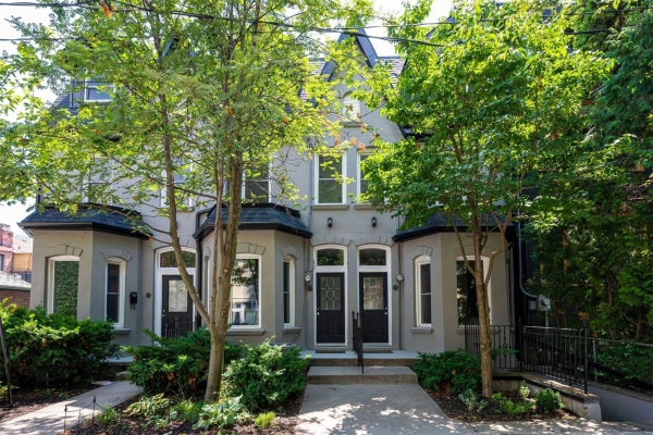 635 Wellington St W, Toronto