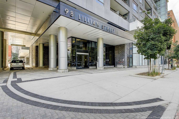 98 Lillian St N, Toronto