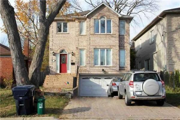 290 Greenfield Ave, Toronto