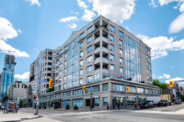 980 Yonge St, Toronto