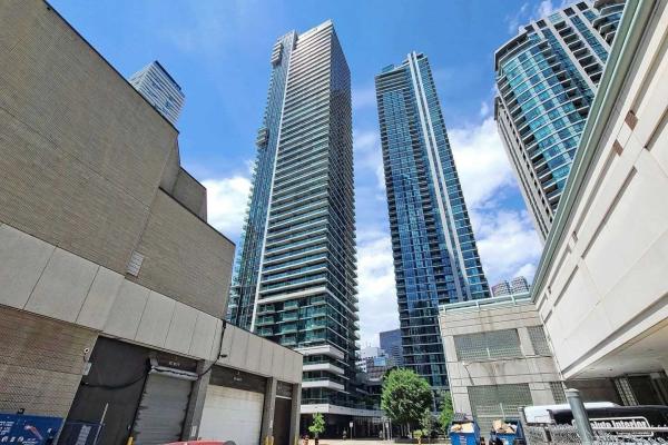 33 Bay St, Toronto