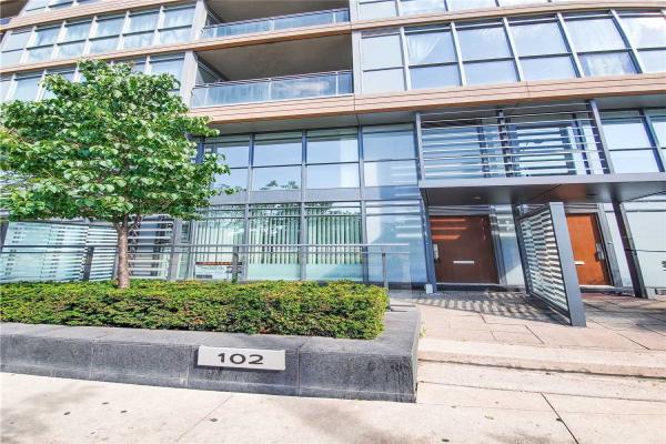 102 Fort York Blvd N, Toronto