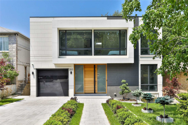 300 Hillhurst Blvd, Toronto