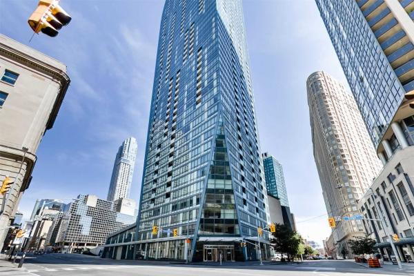 8 The Esplanade, Toronto