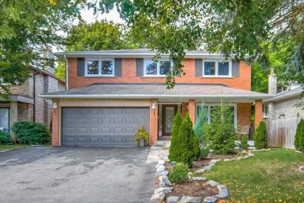 12 Loganberry Cres