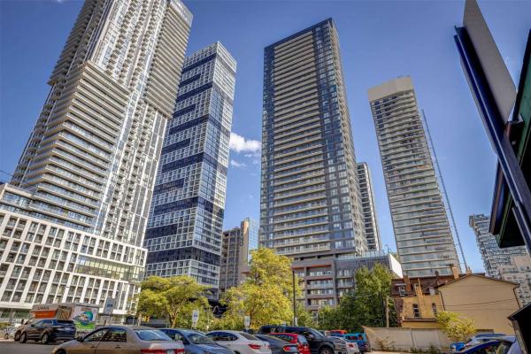 159 Dundas St E, Toronto