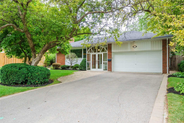12 Bayberry Cres