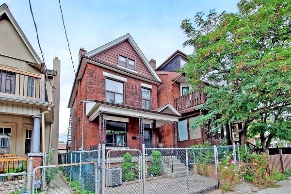 552 Lansdowne Ave, Toronto