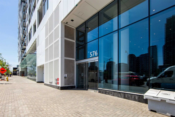 576 Front St W, Toronto