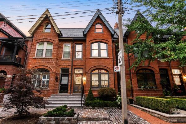 62 Tranby Ave, Toronto