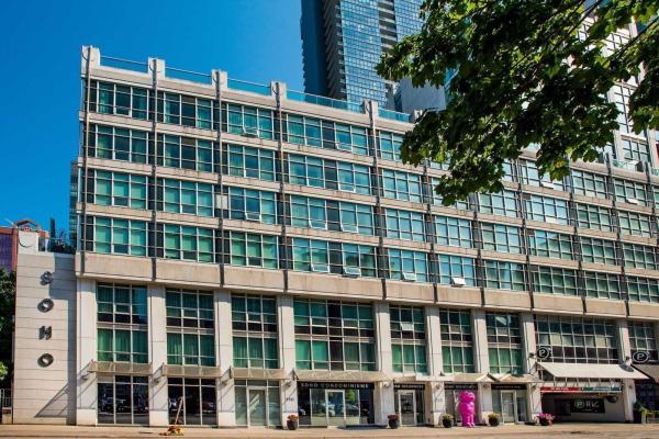 350 Wellington St W, Toronto