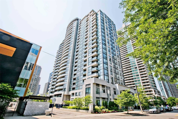 35 Hollywood Ave, Toronto
