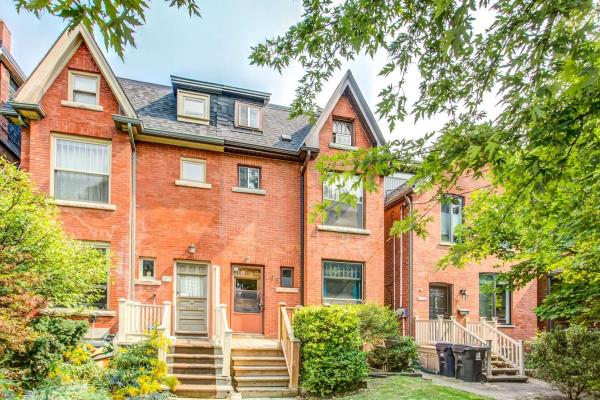 195 Albany Ave, Toronto