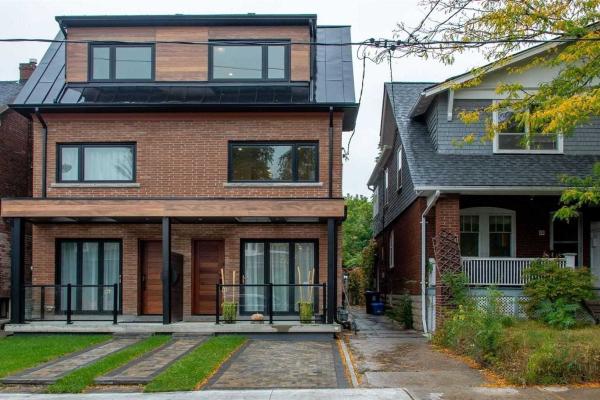 86 B Greensides Ave, Toronto