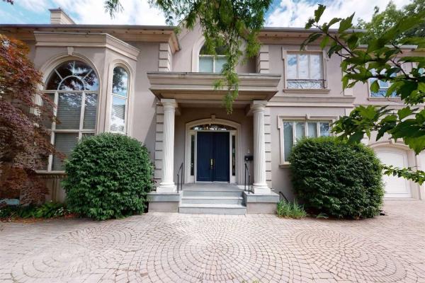 16 Oxbow Rd, Toronto