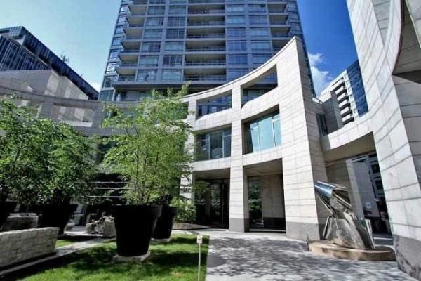 2191 Yonge St, Toronto