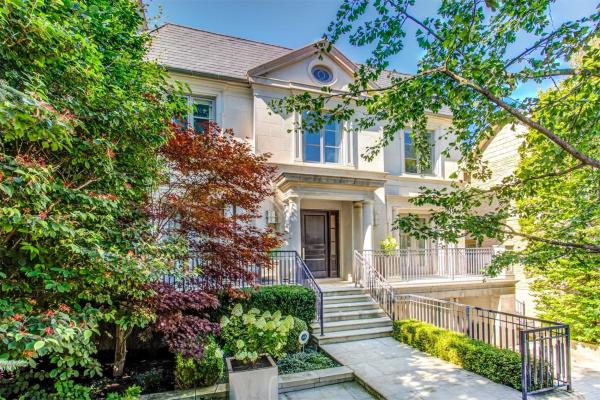 46 Blyth Hill Rd, Toronto
