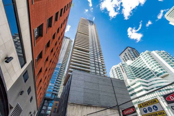 115 Blue Jays Way, Toronto