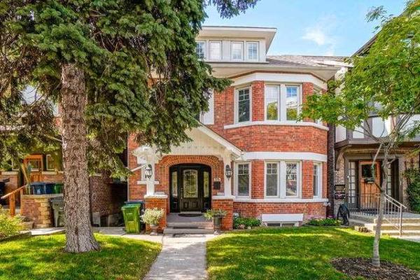 376 Spadina Rd, Toronto