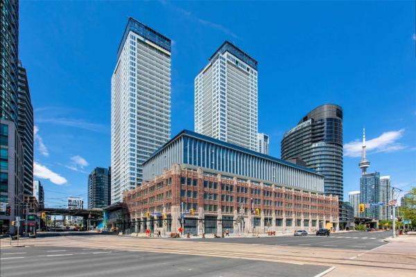 17 Bathurst St, Toronto