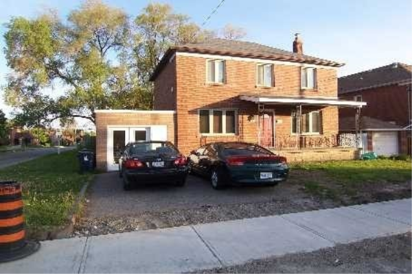 543 Lawrence Ave N, Toronto