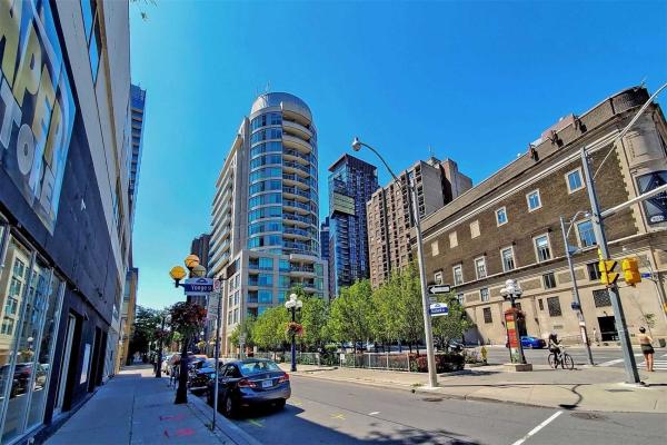 8 Scollard St, Toronto