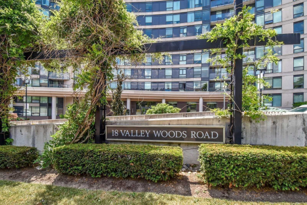 18 Valley Woods Rd, Toronto