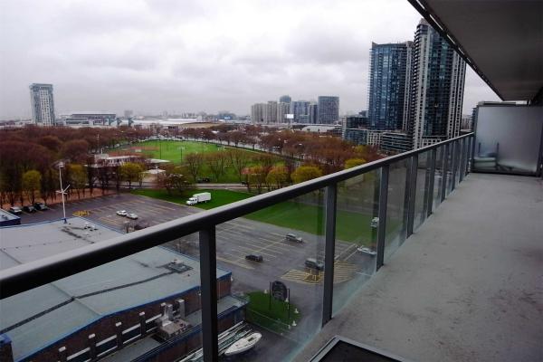 90 Stadium Rd, Toronto