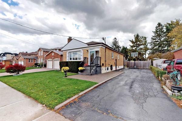 335 Patricia Ave, Toronto