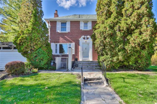 186 Humewood Dr, Toronto