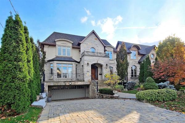 233 Olive Ave, Toronto