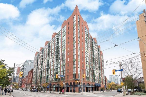 801 King St W, Toronto
